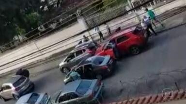 Polícia do Rio investiga esquema criminoso envolvendo cooperativas de seguro de carros - Segundo os investigadores, elas pagam a traficantes para resgatar carros roubados na Baixada Fluminense. Entenda como funciona o golpe.