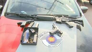 Cinco são presos em operação contra o tráfico de drogas em Jardinópolis, SP - Armas foram apreendidas e supermercado foi lacrado por vender produtos vencidos.