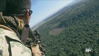 Reportagem exclusiva mostra disputa de facções pelas áreas de tráfico na fronteira - Esta é a terceira e última reportagem da série que a RPC exibiu com exclusividade sobre o tráfico de drogas na fronteira do Brasil e Paraguai.