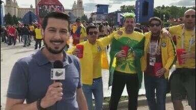 'Tô na Rússia': Corvini fala com torcedores que aproveitam as festas na abertura da Copa - Rússia e Arábia Saudita fazem o primeiro jogo.