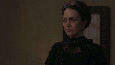 Julieta diz que vai contar sua história para Elisabeta - A mãe de Camilo revela que admira Elisabeta e implora que a jovem fale verdades em sua cara