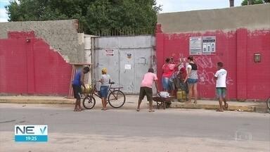 Moradores do Recife reclamam do preço cobrado pelo botijão de gás - Aos poucos, o produto volta a aparecer nas revendedoras da cidade.