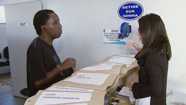 Centenas de pessoas tentam vaga de emprego em loja que deve ser inaugurada em Araraquara - Interessados em uma das 150 oportunidades lotaram o CEAT.