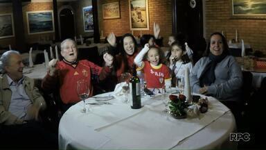 Torcida da Espanha comemora resultado contra Portugal - Para a família de espanhóis, de Foz do Iguaçu, o pior jogo já passou.