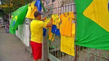 Copa do Mundo movimenta a economia em Cabo Frio, no RJ - Assista a seguir.
