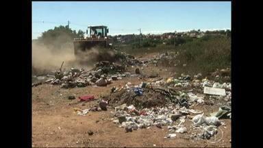 Prefeitura inicia operação estiagem com limpeza de lotes em Montes Claros - Até o dia 31 de outubro limpeza onde há riscos de queimadas.