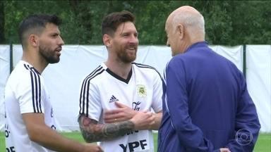Argentina e Islândia se enfrentam neste sábado (16) - Antes do sorteio dos grupos da Copa, o técnico da Islândia, Heimir Hallgrimisson, disse que seria um sonho enfrentar o Brasil. Se não desse, que fosse a Argentina. Veio a Argentina. E agora, o time que parou Cristiano Ronaldo vai ter o Messi.