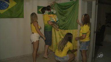 Assitir jogos do Brasil na Copa do Mundo é tradição em algumas famílias - Saiba mais em g1.com.br/ce