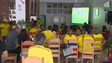 Torcedores colombianos vibram com estreia na Copa - Torcedores estão com grande expectativa para os próximos jogos.