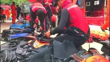 Sobe para 192 o número de desaparecidos no naufrágio da Indonésia - O barco transportava quatro vezes mais que a capacidade. Hoje autoridades dizem que a balsa tinha apenas 45 coletes salva-vidas quando afundou ontem, na Ilha de Sumatra.