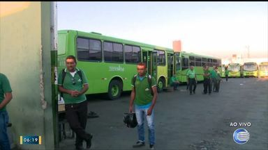 Motoristas e cobradores paralisam 100% da frota de ônibus em Teresina - Motoristas e cobradores paralisam 100% da frota de ônibus em Teresina