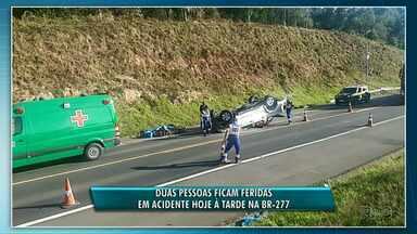 Duas pessoas ficam feridas em acidente na BR-277 - Carro capotou e foi encontrado pela Polícia Rodoviária Federal durante ronda na rodovia.