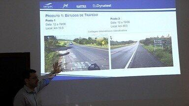 Representantes do Ministério dos Transportes avaliaram estudos sobre duplicação da BR-235 - Se no fim do processo, for constatada a viabilidade, é possível que a rodovia tenha cobrança de pedágio.