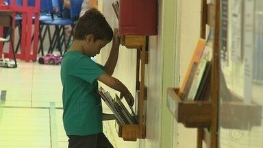 Moradores de Jundiaí criam bibliotecas para crianças em Unidades Básicas de Saúde - Moradores de bairros de três Unidades Básicas de Saúde de Jundiaí criaram espaços culturais para as crianças.