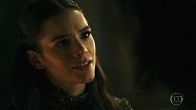 Catarina conta a Afonso que Amália foi a Lúngria - Ela segue propondo o casamento para aliança entre os dois reinos