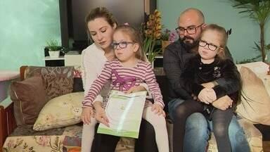 Gêmeas sofrem com falta de medicamentos contra doença rara, em Varginha (MG) - Gêmeas sofrem com falta de medicamentos contra doença rara, em Varginha (MG)