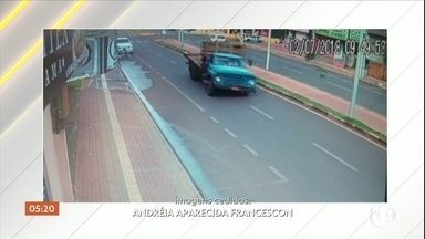 Roda de caminhão se solta e atinge idosa no Paraná - Com o impacto, a mulher de 86 anos ficou inconsciente e sofreu uma lesão na cabeça. Ela passou por cirurgia, mas ainda corre risco de morte. O motorista do veículo prestou socorro, foi ouvido e liberado pela polícia.