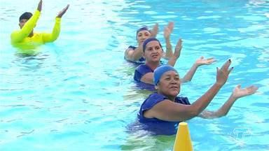 Grupo da hidroginástica promovem festa 'arraial aquático' na Uepa, em Santarém - Grupo fez apresentações e mostrou que está com a qualidade de vida invejável.