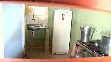 Alunos de rede municipal em Codó reclamam da falta de merenda escolar - O período letivo ainda não acabou, mas sem nada para comer os estudantes são dispensados para ir para casa.
