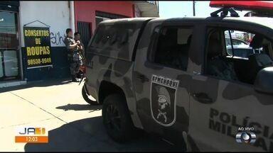 Ladrão é baleado durante tentativa de assalto no Jardim das Esmeraldas, em Goiânia - Homem ficou inconsciente após ser atingido por PM.