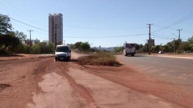 Moradores reclamam da falta de asfalto nas Arsos em Palmas - Moradores reclamam da falta de asfalto nas Arsos em Palmas