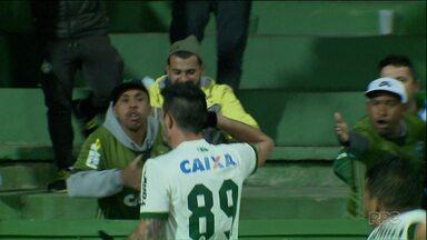 O Coritiba venceu o Paysandu no Couto Pereira e voltou ao G-4 da série B - A vitória colocou o Coritiba momentaneamente na vice-liderança da Série B, com 23 pontos.