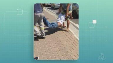 Homem é agredido e expulso de ônibus durante suposta tentativa de assalto, em Manaus - Caso aconteceu na avenida Autaz Mirim, na Zona Leste de Manaus. Homem recebeu atendimento médico e foi liberado.