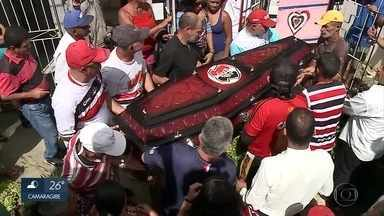 Torcedor-símbolo do Santa Cruz é enterrado no Agreste de Pernambuco - Bacalhau era conhecido pelo amor ao time tricolor.
