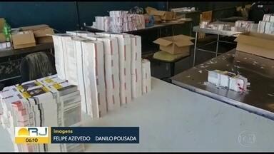 Milicianos são presos em operação da Polícia Civil - Milícia mantinha um esquema de contrabando e distribuição de cigarros do Paraguai