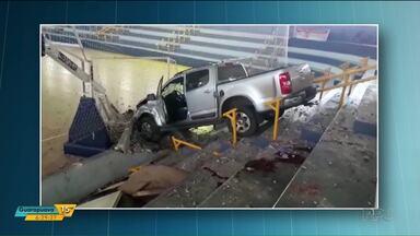 Polícia investiga atropelamento de secretário de Esportes de Assis Chateaubriand - O motorista chegou a invadir o ginásio de Esportes da cidade. O secretário teve traumatismo craniano e acabou morrendo.