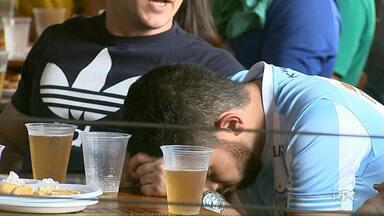 Veja reação da torcida londrinense com a eliminação do Brasil na Copa - A angústia e a ansiedade foram companhias dos torcedores durante toda a partida.