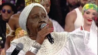 Sandra de Sá fala da emoção em interpretar Clementina de Jesus - A artista homenageou sambista carioca que fez história