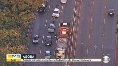 Caminhões batem na Rodovia Fernão Dias, em Contagem, na Grande BH - Por causa do acidente, um grande congestionamento se formou na região.