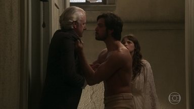 Ernesto defende Ema do capanga de Lady Margareth - Elisabeta conta aos amigos que Briana se matou e a tia de Darcy a culpa pelo que aconteceu