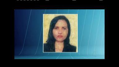 Mulher de 41 anos morre em acidente entre moto e caminhão em Ipatinga - Vítima estava em uma motocicleta e segundo testemunhas, tentou ultrapassar o caminhão pela direita; Samu esteve no local e constatou o óbito.