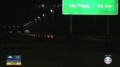 Movimento das estradas na volta do feriado - O Bom Dia São Paulo mostra a situação nas estradas vindo do interior e do litoral.
