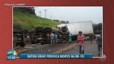 Acidente envolvendo quartro veículos deixam três pessoas mortas em Ibirapitanga - A Polícia está no local do acidente investigando as causas e circunstância do acidente.