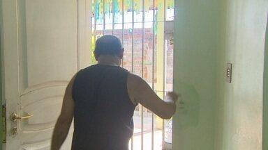 Cinco casas são invadidas em 12 dias em bairro da Zona Norte de Macapá - Violência no Renascer têm assustado os moradores, que buscam meios para reforçar a segurança nas residências.