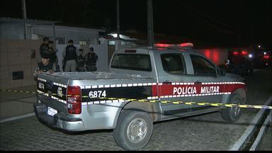Homem reage a tentativa de assalto e mata suspeito a tiros, em Santa Rita, PB - Dois homens em uma moto anunciaram o assalto e um deles acabou sendo baleado pela vítima. Um dos suspeitos fugiu.