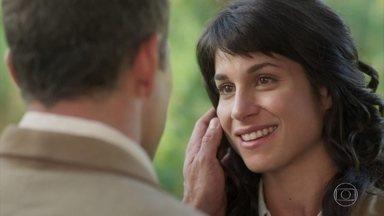 Brandão e Mariana se declaram um para o outro - Mariana explica que criou Mário para poder ficar mais perto do amado. Os dois chegam a rir das situações pelas quais passaram
