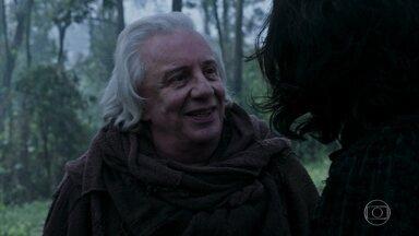 Afonso reencontra Augusto - Após a sangrenta batalha, os Reis finalmente se encontram. Afonso agradece Amália pela missão