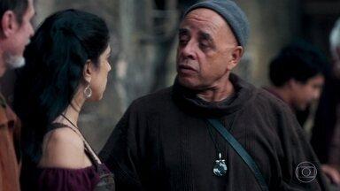 Matilda exige que Lupércio descubra as fofocas - Povo comemora o fato de Rei Augusto estar vivo