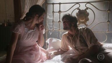 Ema e Ernesto fogem - Ernesto ratifica sua inocência para Ema, que acredita em seu noivo