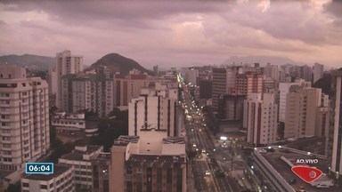 Previsão é de chuva na Grande Vitória e no Norte do Espírito Santo nesta segunda (23) - Na região Serrana, as temperaturas variam de 8ºC a 23ºC.