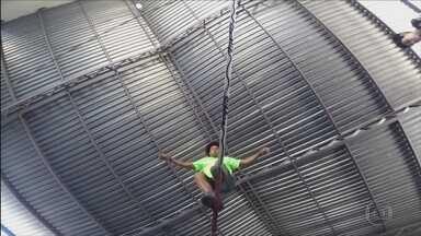 Na corda bamba: campeão mundial de slackline dá aulas para crianças em MG - Na corda bamba: campeão mundial de slackline dá aulas para crianças em MG