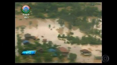 Laos confirma uma morte e 130 desaparecidos - Seis aldeias estão inundadas e mais de seis mil moradores perderam as casas depois do rompimento de uma barragem.