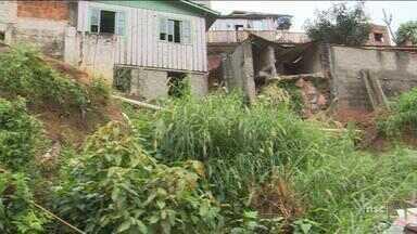 Florianópolis tem deslizamentos e queda de muro durante chuva - Florianópolis tem deslizamentos e queda de muro durante chuva