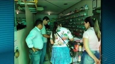 Conselho Regional de Farmácia interdita estabelecimentos comerciais - Ação conjunta com Vigilância Sanitária encontrou diversas irregularidades nos locais.