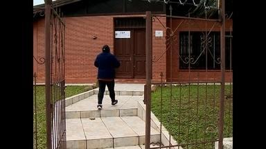 População segue enfrentando problemas para emitir carteira de identidade em Santa Maria - O posto de identificação segue improvisado junto ao IML de Santa Maria, na Rua Floriano Peixoto.