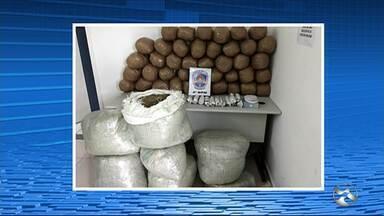 Polícia Militar apreende 125 quilos de maconha em Caruaru - Segundo a PM, a casa onde a droga foi encontrada é de um homem de 40 anos.